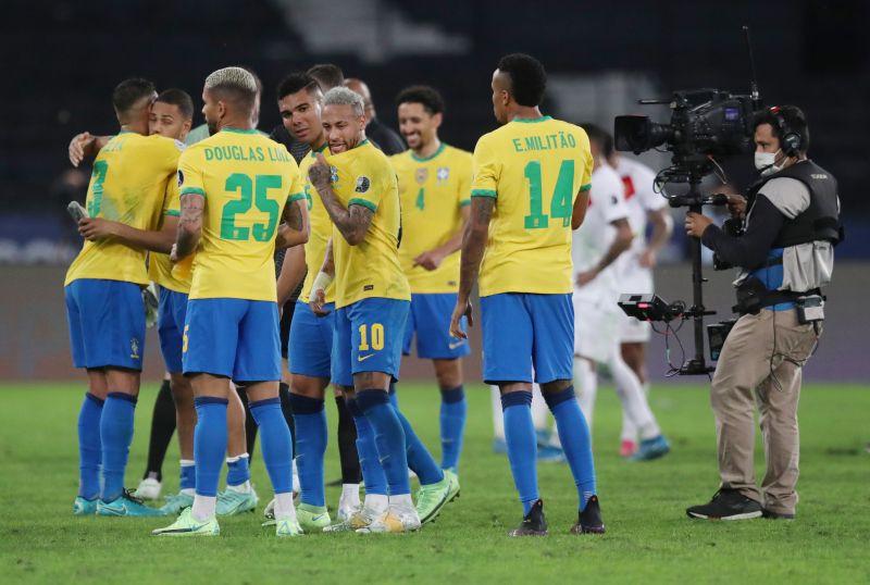 https: img.okezone.com content 2021 07 10 51 2438566 prediksi-skor-argentina-vs-brasil-di-final-copa-america-2021-X0gDCs93Ku.jpg