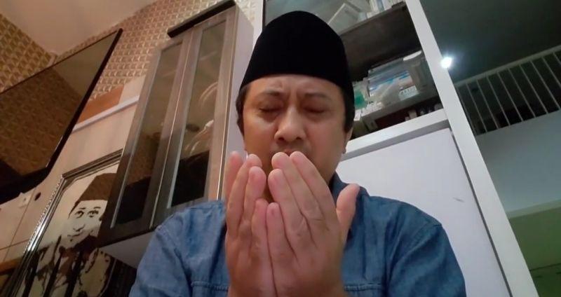 https: img.okezone.com content 2021 07 11 337 2439031 kh-lutfi-fathullah-meninggal-ustadz-yusuf-mansur-kasih-pak-anies-dan-tim-dokter-bKEI1ZL9c0.jpg