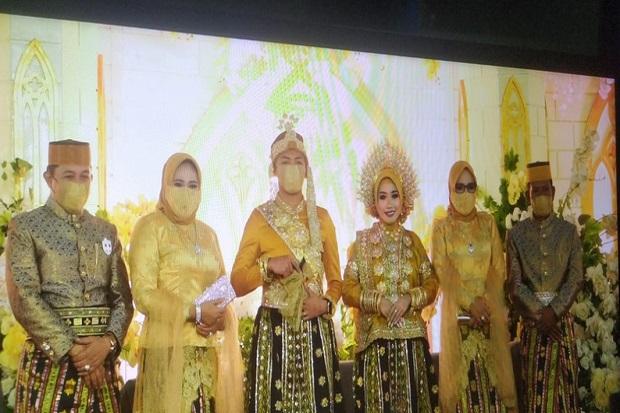 https: img.okezone.com content 2021 07 11 340 2439021 geger-pesta-pernikahan-anak-pejabat-pemkot-jayapura-dihadiri-ribuan-tamu-GVqef2ic3e.jpg