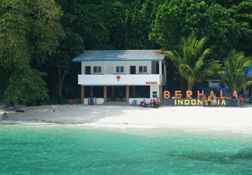 https: img.okezone.com content 2021 07 11 406 2439003 bangkitkan-pariwisata-jalan-sepanjang-1-4-km-dibangun-menuju-pulau-berhala-jaJQZ5UTB6.JPG