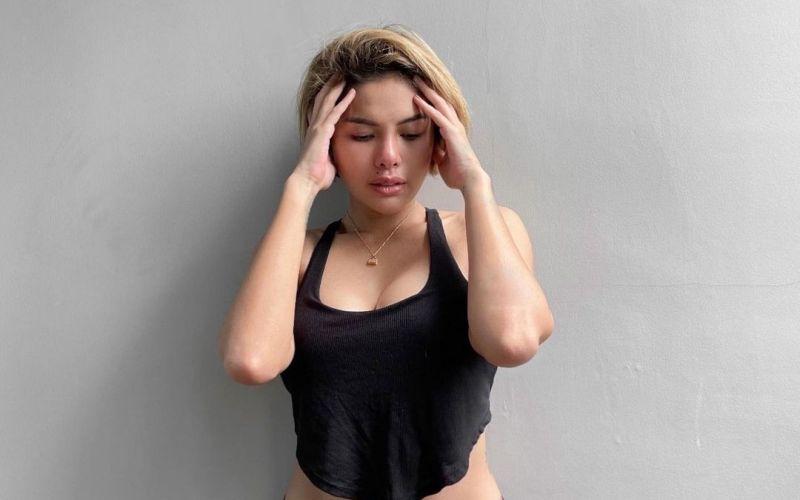 https: img.okezone.com content 2021 07 12 33 2439560 nikita-mirzani-pamer-celana-dalam-ungu-netizen-cantik-betul-itu-body-ctUt3wGqZh.jpg