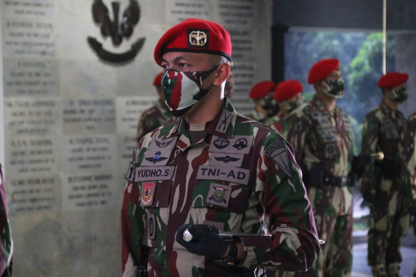 https: img.okezone.com content 2021 07 12 337 2439562 mantap-batalyon-13-grup-1-kopassus-kini-dipimpin-danyon-termuda-se-indonesia-fuAcc7wB06.jpg