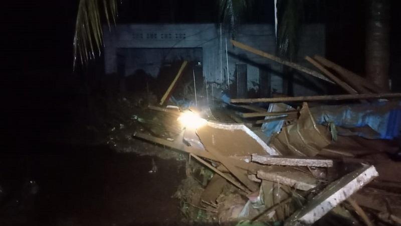 https: img.okezone.com content 2021 07 12 340 2439399 banjir-terjang-konawe-utara-sultra-2-desa-terisolasi-MjXgbNCRFj.jpg