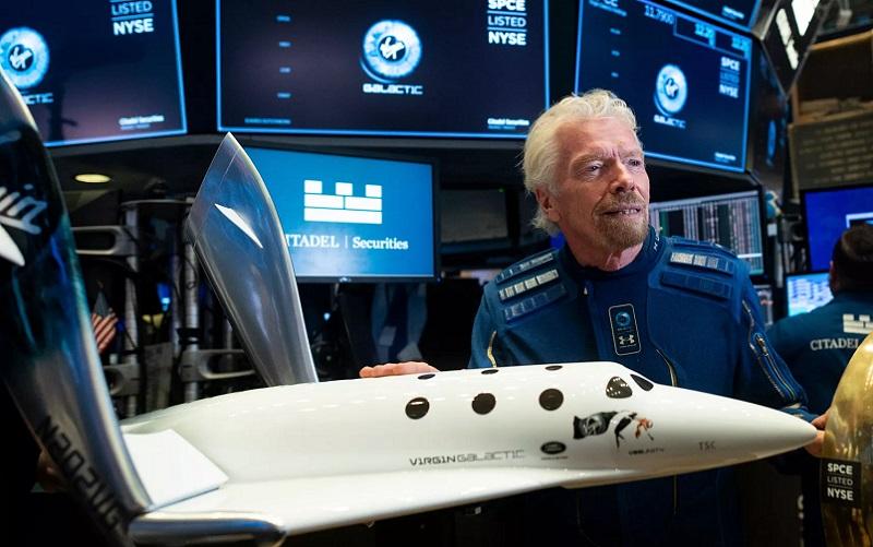 https: img.okezone.com content 2021 07 12 455 2439425 trip-luar-angkasa-ala-miliarder-richard-branson-segini-harga-tiketnya-ORqptnoa9m.jpg