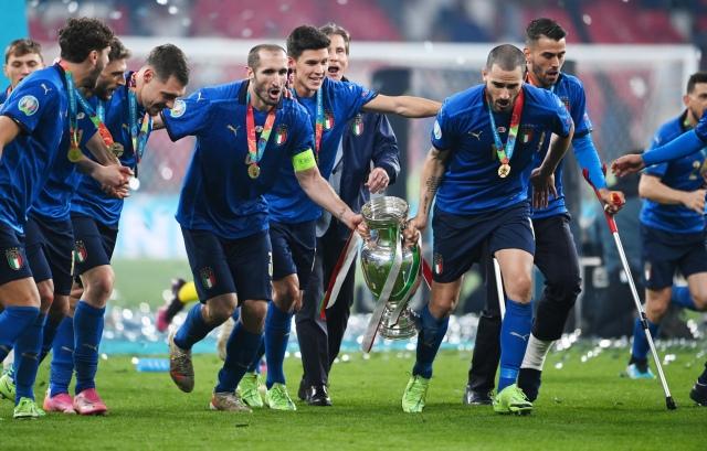 https: img.okezone.com content 2021 07 12 51 2439110 5-fakta-italia-juara-piala-eropa-2020-nomor-1-bikin-malu-inggris-qwFFNjaMKF.jpg