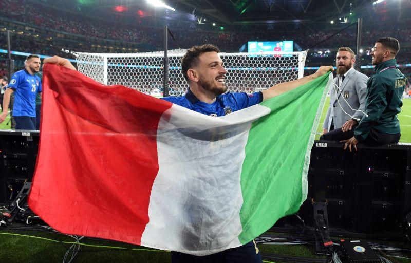 https: img.okezone.com content 2021 07 12 51 2439388 italia-juara-piala-eropa-2020-alessandro-florenzi-malah-sombong-9xfwbCLeEB.jpg