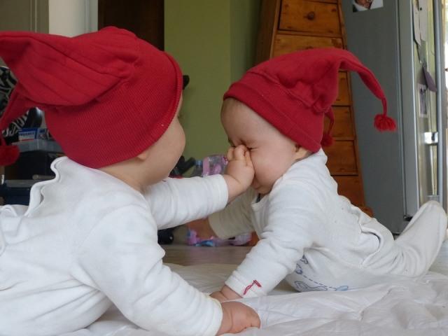 https: img.okezone.com content 2021 07 13 614 2439792 5-inspirasi-nama-islami-untuk-bayi-kembar-laki-laki-dan-perempuan-vr0DqP2cnC.jpg
