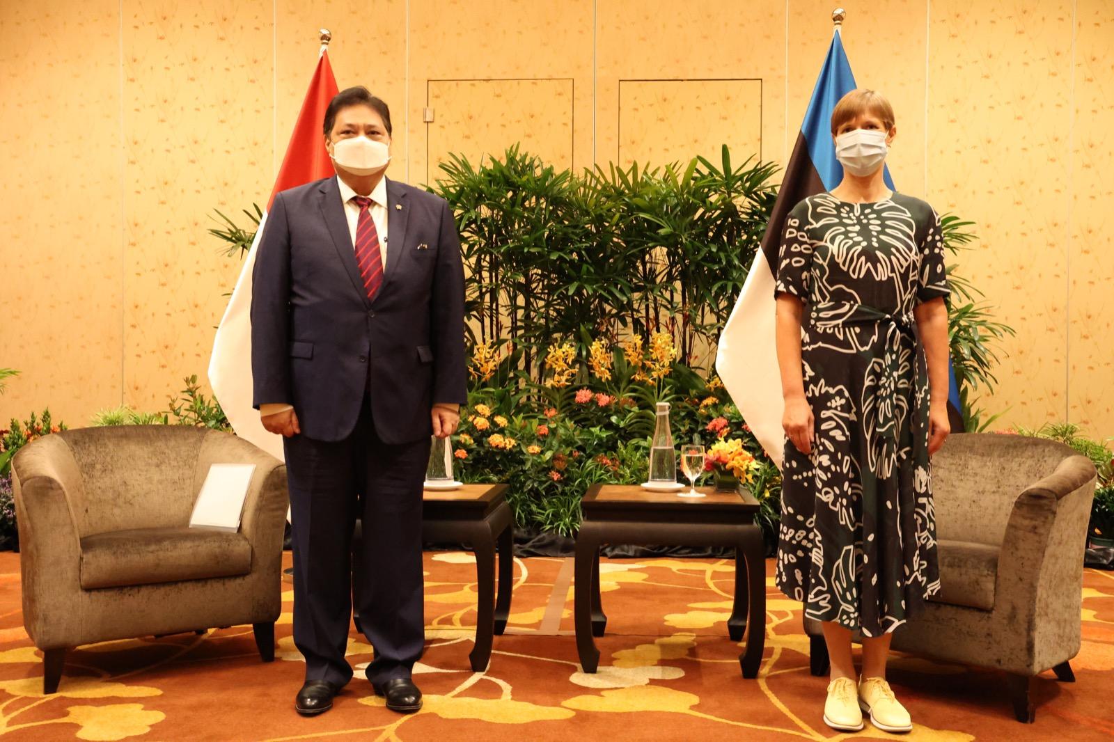 https: img.okezone.com content 2021 07 14 320 2440568 bertemu-presiden-kersti-kaljulaid-menko-airlangga-sebut-estonia-tertarik-kembangka-data-digital-di-indonesia-uKG6VJXSci.jpg