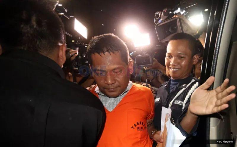 https: img.okezone.com content 2021 07 14 337 2440571 mantan-panitera-pengganti-pn-jakut-rohadi-divonis-3-5-tahun-penjara-zUYP34nJNQ.jpg