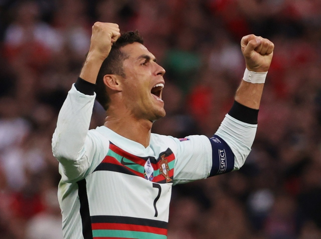 https: img.okezone.com content 2021 07 14 51 2440239 10-nominasi-gol-terbaik-piala-eropa-2020-cristiano-ronaldo-masuk-dalam-daftar-3x9LWR7S6H.jpg