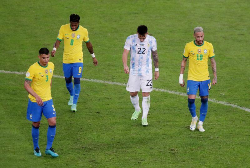 https: img.okezone.com content 2021 07 14 51 2440585 warga-brasil-dukung-argentina-di-final-copa-america-2021-thiago-silva-geram-qTnowiA2g0.jpg