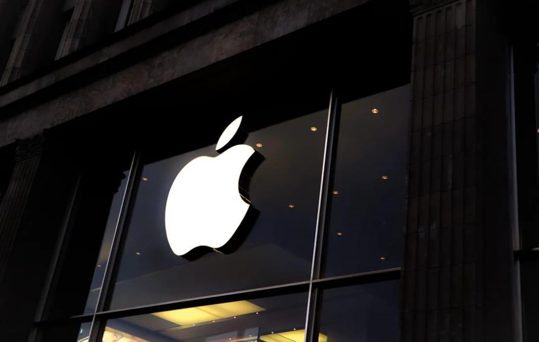 https: img.okezone.com content 2021 07 14 57 2440732 apple-minta-pemasok-tingkatkan-produksi-iphone-hingga-90-juta-unit-tahun-ini-kMyodLzulA.jpeg