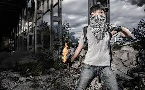 https: img.okezone.com content 2021 07 14 609 2440261 tawuran-warga-gunakan-anak-panah-dan-molotov-pecah-di-makassar-5LxosEEskF.jpg