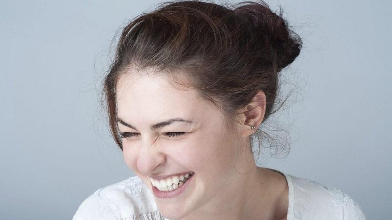 https: img.okezone.com content 2021 07 14 612 2440610 sering-tertawa-cegah-penuaan-dini-cara-menyenangkan-awet-muda-di-usia-40an-cFlKiEQIYV.jpg