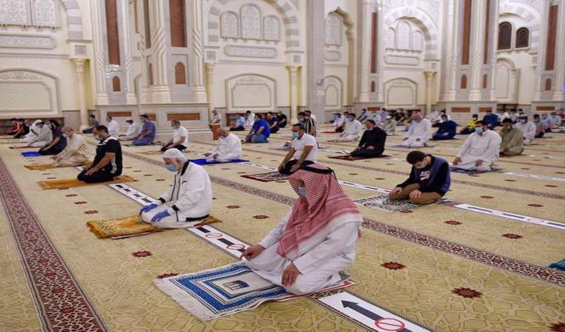 https: img.okezone.com content 2021 07 14 614 2440592 uni-emirat-arab-terapkan-langkah-tegas-cegah-penularan-covid-19-saat-sholat-idul-adha-yrM2yGBFqP.jpg