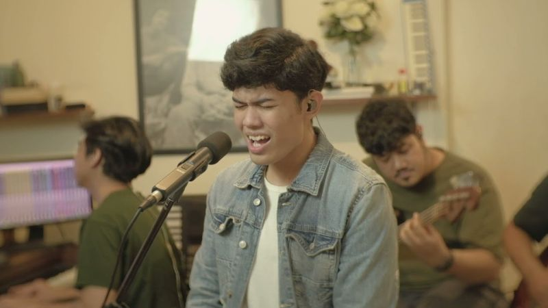 https: img.okezone.com content 2021 07 15 205 2440927 lembutnya-suara-nuca-cover-lagu-if-you-re-not-the-one-bareng-roommate-project-FEQivx5aPG.jpg