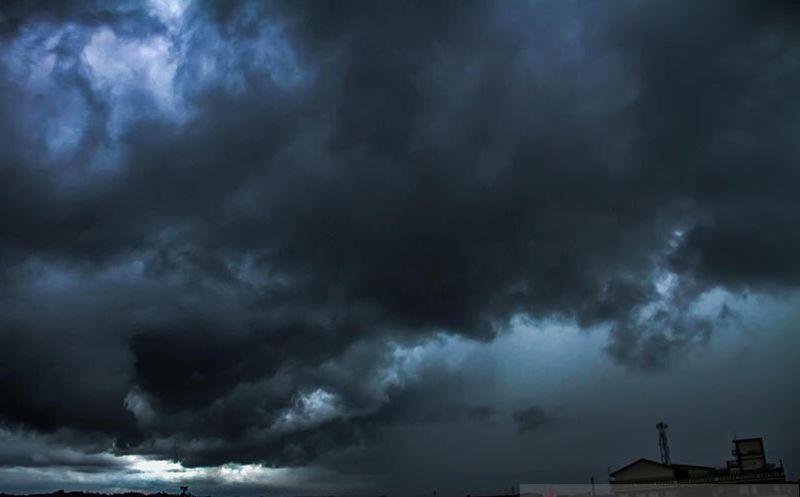 https: img.okezone.com content 2021 07 15 340 2440876 bmkg-peringatkan-hujan-lebat-hingga-angin-kencang-landa-wilayah-ini-cLUHp2KV8u.jpg