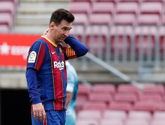 https: img.okezone.com content 2021 07 15 46 2441014 tak-hanya-lionel-messi-liga-spanyol-segera-kehadiran-raja-gol-calon-peraih-trofi-ballon-dor-2021-RIQwutfweY.jpg