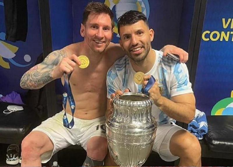 https: img.okezone.com content 2021 07 15 51 2440896 aguero-gelar-juara-copa-america-2021-paling-dibutuhkan-lionel-messi-3UJwDmspxL.jpg