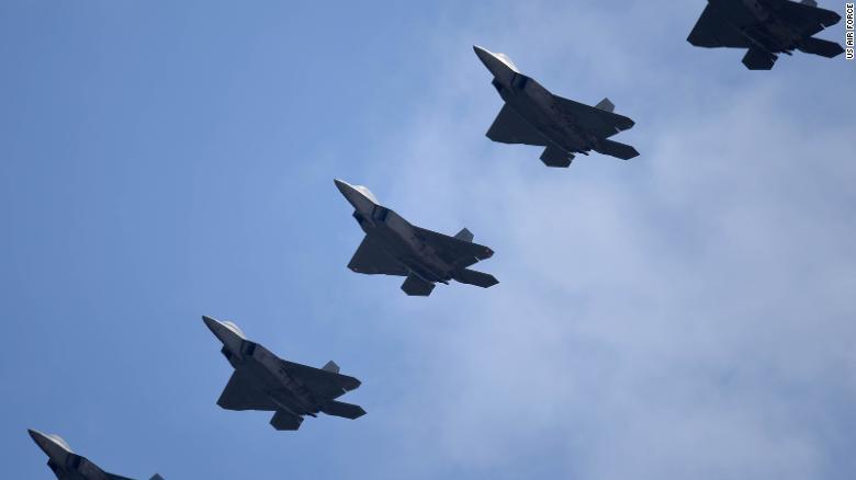 https: img.okezone.com content 2021 07 16 18 2441803 angkatan-udara-as-akan-kirim-puluhan-jet-tempur-f-22-ke-pasifik-terkait-ketegangan-dengan-china-dIc8edrpzu.jpg