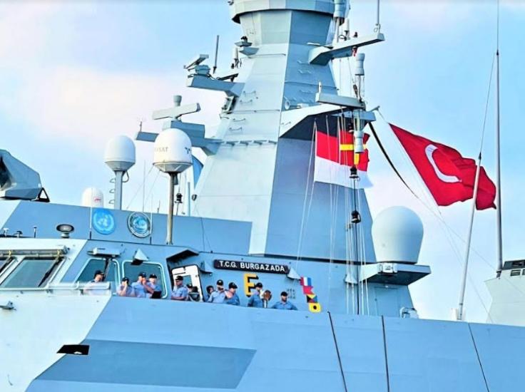 https: img.okezone.com content 2021 07 16 337 2441946 ketika-bendera-merah-putih-berkibar-di-kapal-perang-turki-YGkINvazww.jpg