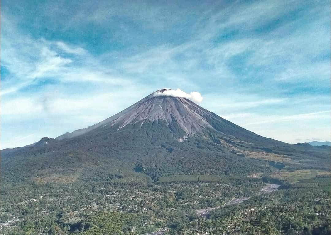 https: img.okezone.com content 2021 07 16 406 2441876 antisipasi-kecelakaan-sistem-pendakian-gunung-semeru-akan-dibikin-seperti-kinabalu-malaysia-MAz9BKWwhg.jpg