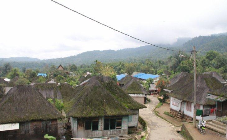 https: img.okezone.com content 2021 07 16 408 2441853 pesona-sibanggor-julu-desa-unik-berusia-ratusan-tahun-di-sumatera-utara-mriGgicxlh.jpg