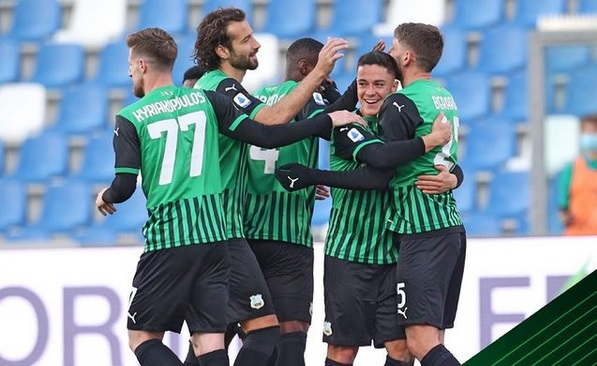 https: img.okezone.com content 2021 07 16 47 2441558 jersey-hijau-dilarang-di-liga-italia-2022-2023-bagaimana-dengan-sassuolo-osKG4eZV4H.jpg