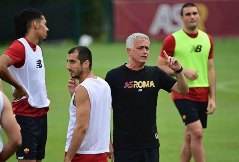 https: img.okezone.com content 2021 07 16 47 2441680 ini-respons-kocak-mourinho-saat-satu-tim-lagi-dengan-smalling-dan-mkhitaryan-U1YF43FXa1.jpg