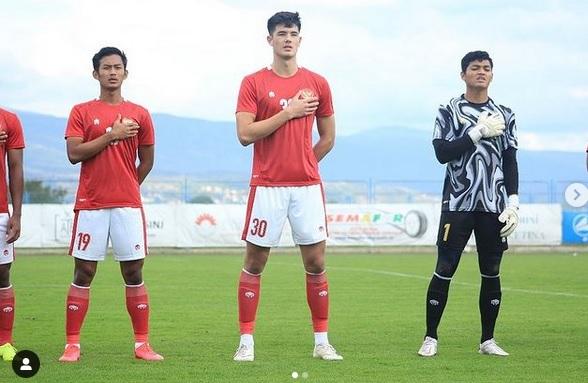 https: img.okezone.com content 2021 07 16 51 2441722 terkendala-aturan-elkan-baggott-gagal-bela-timnas-indonesia-u-23-di-kualifikasi-piala-asia-u-23-2022-gS3Caj81OT.jpg