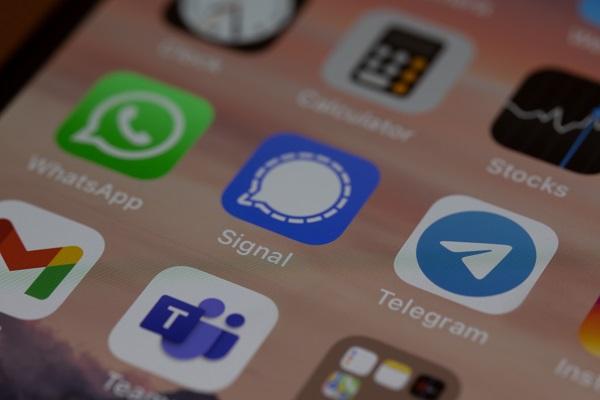 https: img.okezone.com content 2021 07 16 57 2441927 whatsapp-hingga-telegram-jadi-target-scammer-sebar-link-berbahaya-AqztSoPWXs.jpg