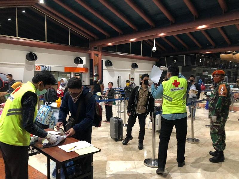 https: img.okezone.com content 2021 07 17 340 2442157 h-3-hari-raya-idul-adha-penumpang-mulai-ramai-di-bandara-soekarno-hatta-yxZywonXYB.jpg