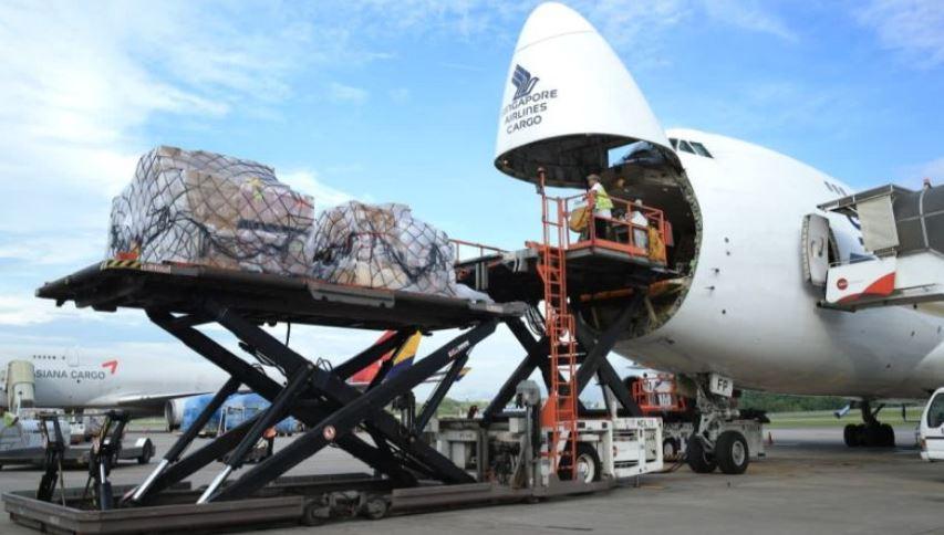 https: img.okezone.com content 2021 07 17 406 2442182 ppkm-darurat-layanan-kargo-di-bandara-soekarno-hatta-terpantau-lancar-f6Hv18umYU.JPG