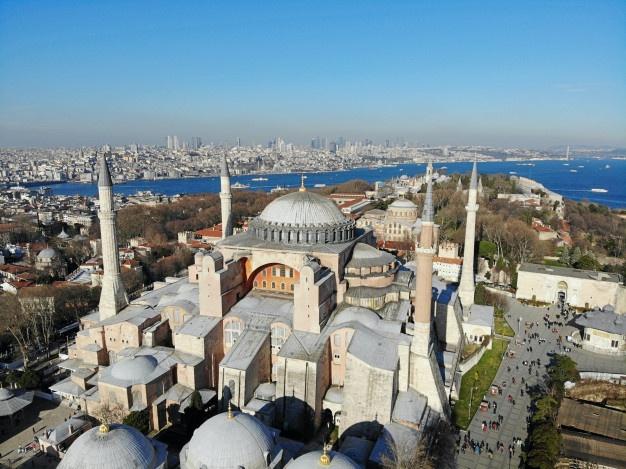 https: img.okezone.com content 2021 07 17 408 2442224 libur-idul-adha-5-aktivitas-wisata-seru-bisa-dinikmati-di-istanbul-turki-TxhY6v75t9.jpg