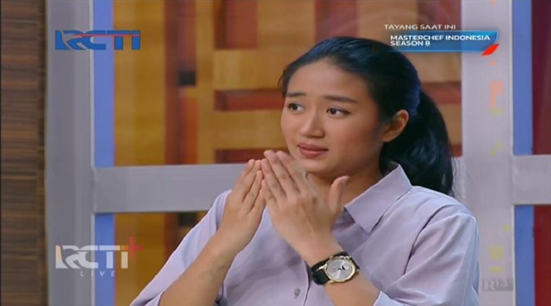 https: img.okezone.com content 2021 07 18 194 2442580 cantiknya-chef-renatta-moeloek-tampil-kasual-di-masterchef-indonesia-episode-15-4Jeij8PKeD.jpg