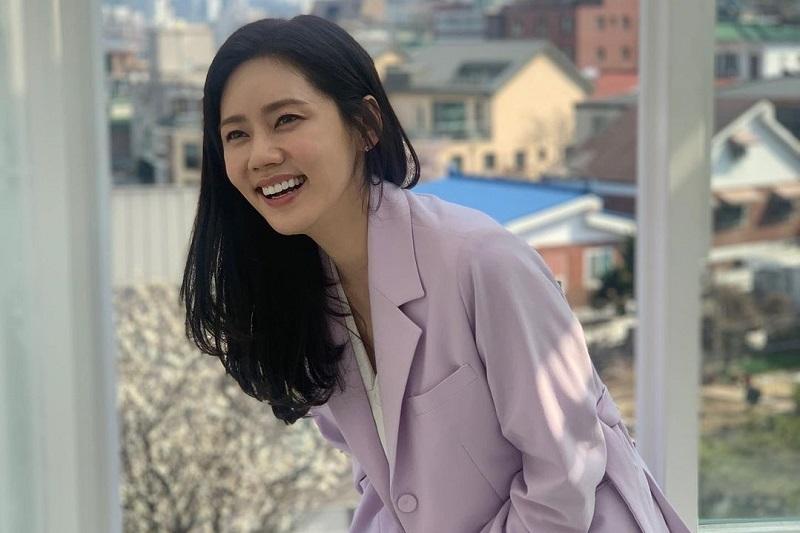 https: img.okezone.com content 2021 07 18 33 2442459 suami-pangku-mesra-perempuan-lain-aktris-choo-ja-hyun-buka-suara-RNWuGK0HE2.jpg