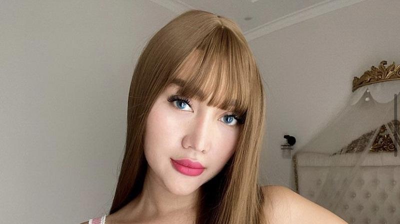 https: img.okezone.com content 2021 07 19 194 2442885 potret-terbaru-lucinta-luna-netizen-lisa-blackpink-indonesia-jTawzN2t62.jpg