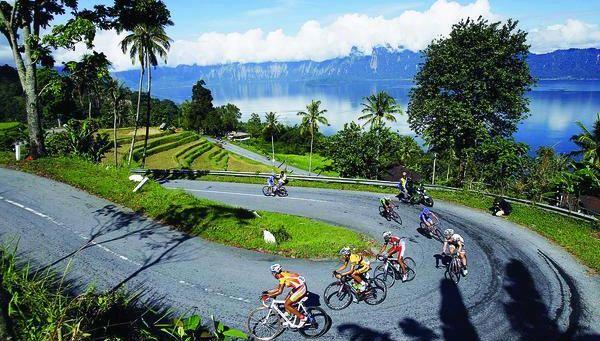 https: img.okezone.com content 2021 07 19 408 2442999 5-wisata-jalur-ekstrem-di-indonesia-alas-roban-hingga-kelok-44-4NJtB0enTQ.jpg