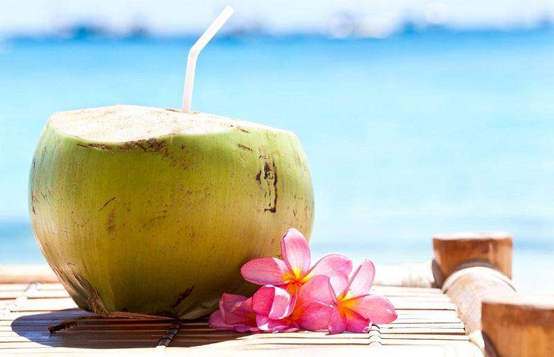 https: img.okezone.com content 2021 07 19 481 2442666 air-kelapa-hijau-untuk-mengobati-covid-19-ini-penjelasan-dokter-gizi-V5UQ5wSljq.jpg