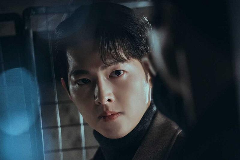 https: img.okezone.com content 2021 07 20 206 2443290 song-joong-ki-resmi-jadi-aktor-utama-chaebol-family-s-youngest-son-wAVf9UT9wn.jpg