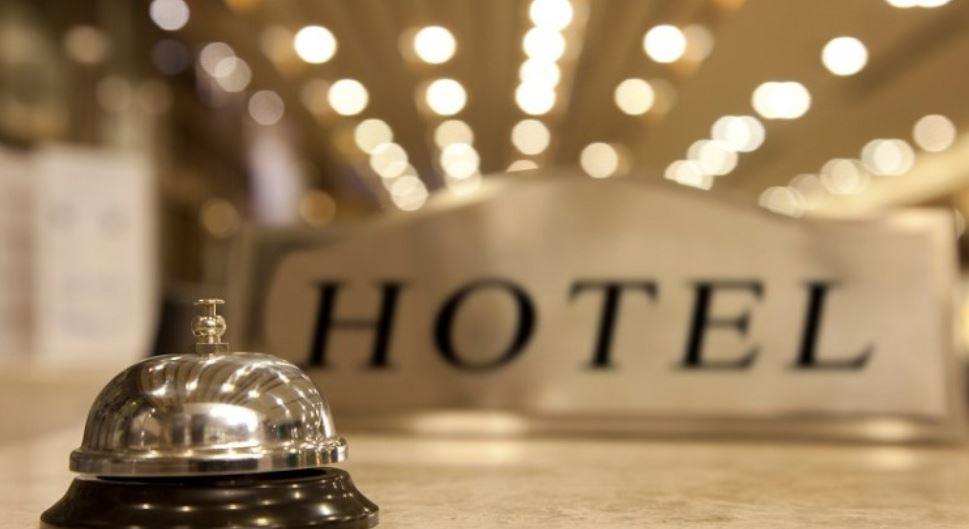 https: img.okezone.com content 2021 07 20 406 2443230 puluhan-hotel-dan-restoran-di-garut-kibarkan-bendera-putih-ada-apa-0q87I5I8V8.JPG