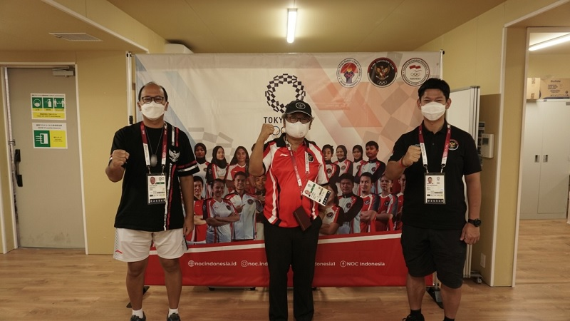 https: img.okezone.com content 2021 07 20 43 2443464 jelang-olimpiade-tokyo-2020-dubes-heri-akhmadi-beri-suntikan-semangat-ke-kontingen-indonesia-n9c1qzUFTz.jpg