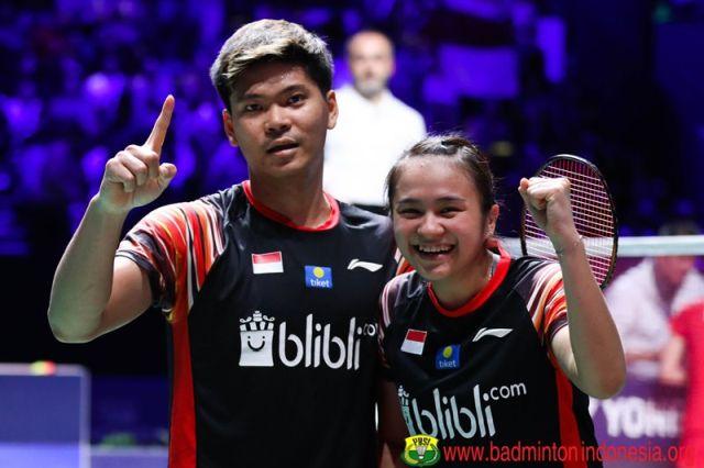 https: img.okezone.com content 2021 07 21 40 2443625 profil-atlet-indonesia-di-olimpiade-tokyo-2020-praveen-jordan-melati-daeva-si-pasangan-serasi-OyIlmNQF9F.jpg