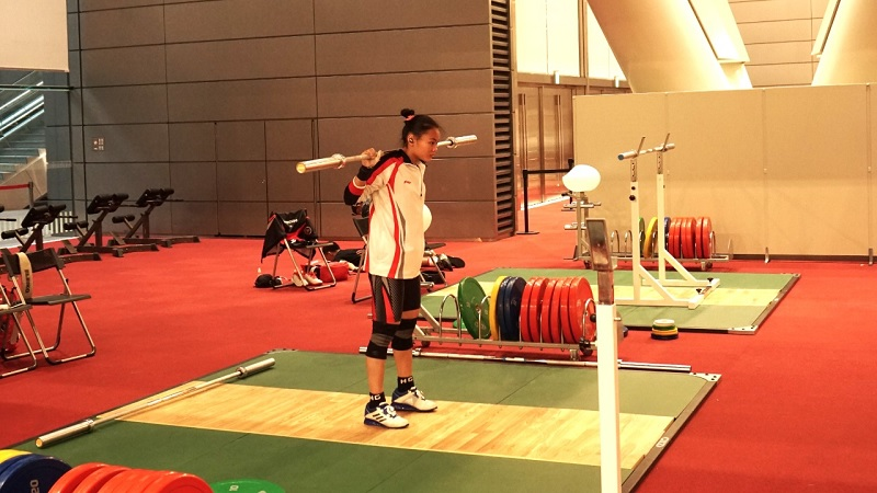 https: img.okezone.com content 2021 07 21 43 2443999 jelang-olimpiade-tokyo-2020-tim-angkat-besi-indonesia-matangkan-strategi-gokobp6Uld.jpg