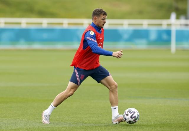 https: img.okezone.com content 2021 07 21 51 2443742 man-united-incar-kieran-trippier-atletico-madrid-lirik-bek-norwich-noC2EkpCr4.jpg