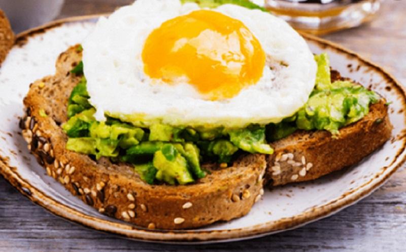 https: img.okezone.com content 2021 07 21 612 2443601 ingin-berat-badan-turun-stop-kebiasaan-lewatkan-sarapan-TWdnhdrHJM.jpg