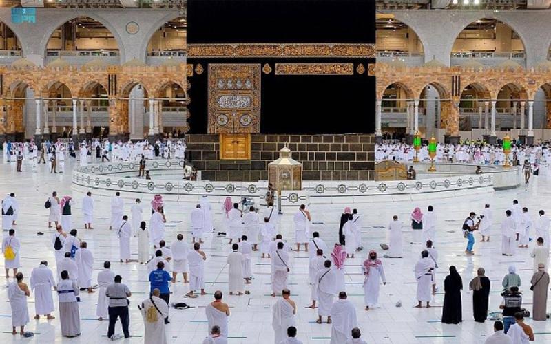 https: img.okezone.com content 2021 07 21 614 2443795 jamaah-haji-lakukan-empat-ritual-utama-saat-ibadah-hampir-selesai-omqenOlV3u.jpg