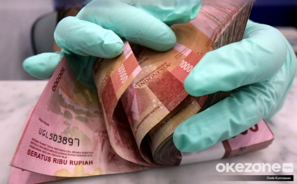 https: img.okezone.com content 2021 07 22 320 2444209 blt-subsidi-gaji-rp1-juta-cair-agustus-langsung-masuk-rekening-9KvUcqbrYu.jpg