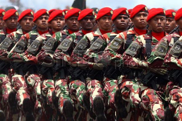 https: img.okezone.com content 2021 07 22 337 2444091 cerita-heroik-kopassus-di-timor-timur-bermodal-sebilah-pisau-terjang-medan-perang-54AXN3A4QL.jpg