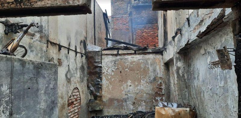 https: img.okezone.com content 2021 07 22 338 2444278 kebakaran-di-tambora-hanguskan-puluhan-rumah-kerugian-ditaksir-rp1-2-miliar-bXNg96nFI1.jpg